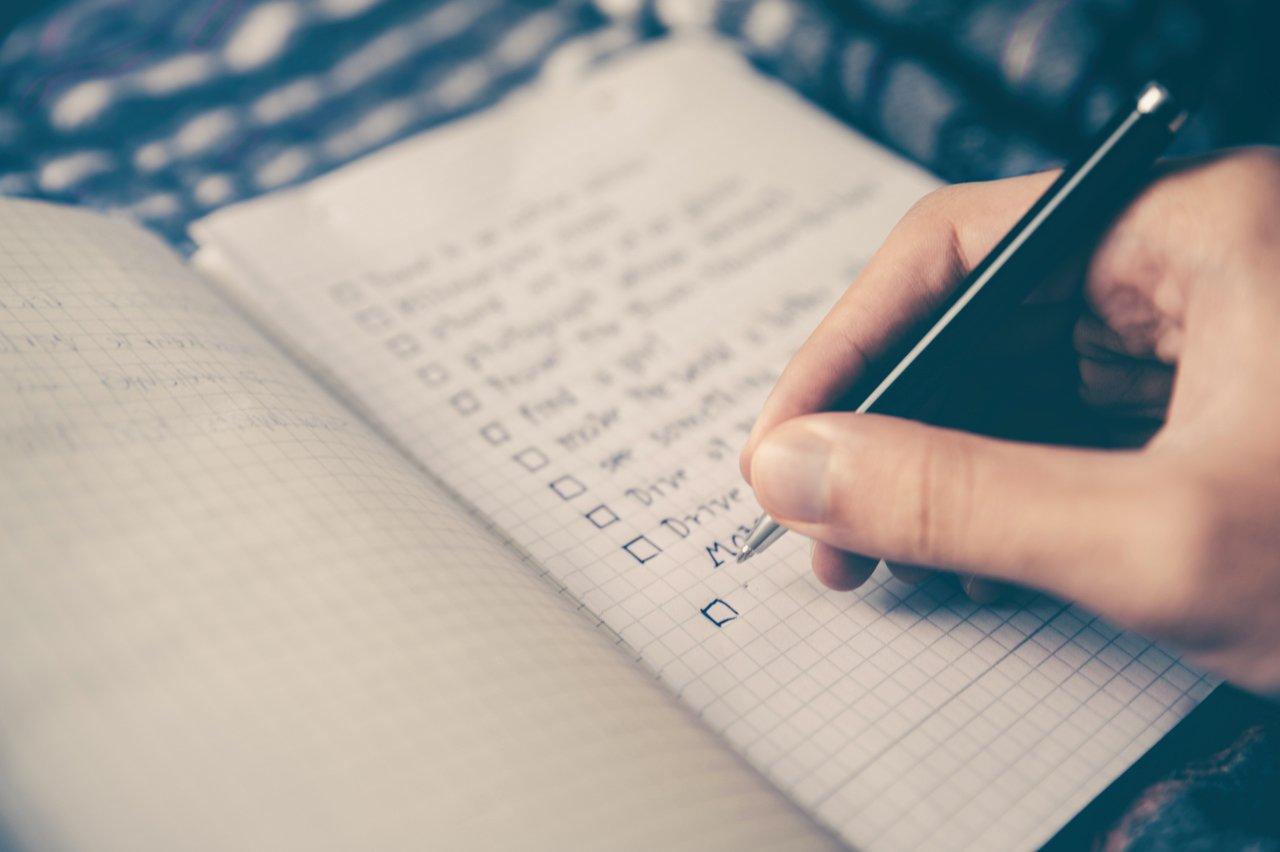 manage-your-money-checklist-lisa-dudson-managing-money-financial-advisor-top-tips-