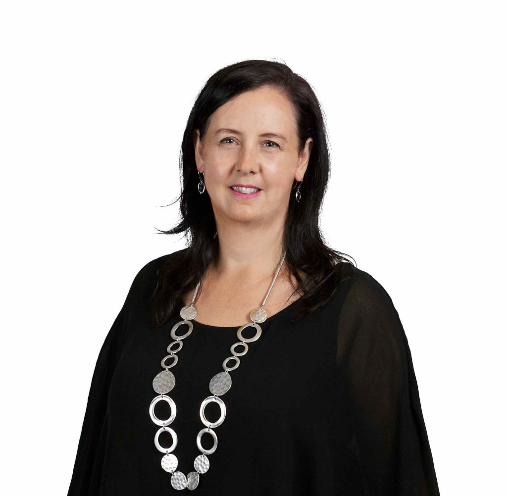 lisa dudson-financial adviser-money-mortgages-savings-financial planner-finance expert-investing